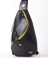 防水高機能ワンショルダーバッグ