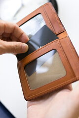 CORBO.(コルボ)-SLATE-スレートシリーズ小銭入れ付き定期入れ8LC-9368嬉しいコインケース付き!イタリアンレザー(本革)のパスケースです。