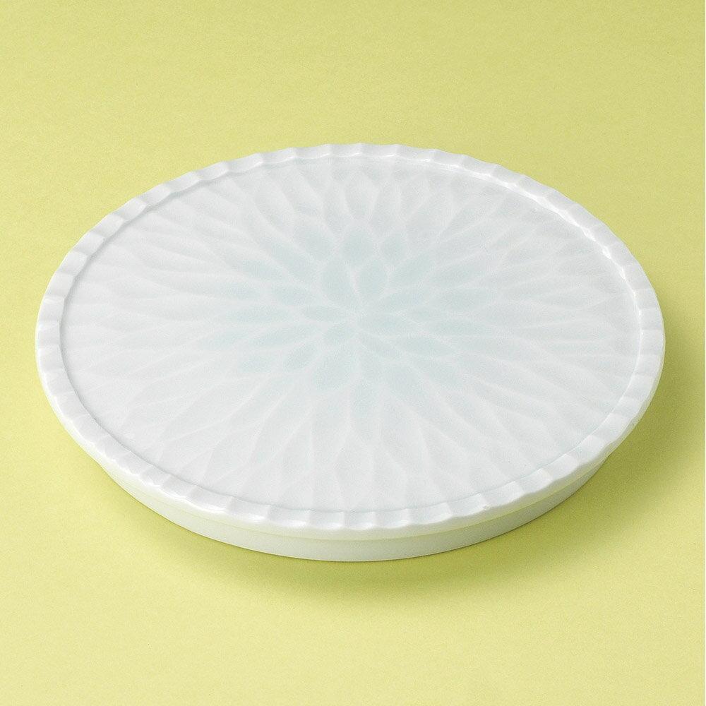 10個セット 丸皿 青白磁花彫17.5cm皿 [ 17.3 x 2cm ] | 中皿 デザート皿 取り皿 人気 おすすめ 食器 業務用 飲食店 カフェ うつわ 器 おしゃれ かわいい ギフト プレゼント 引き出物 誕生日 贈り物 贈答品