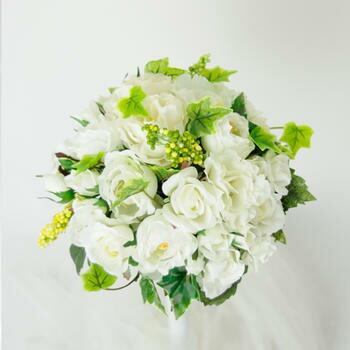 「白ドレスにグリーンが映える人気のブーケ」bu-ke003【メーカー取り寄せ】【レンタル】【ポイント10倍セール】