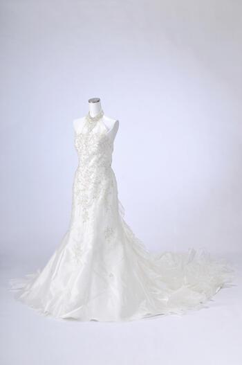 ウェディングドレス 11号「ホルタービーズマーメイド」mm002【ビーズの装飾が豪華なマーメイドドレス!ロングトレーンと裾の広がりで日本人でもバランスのとりやすいドレスです。】【レンタル】【マンゾクポイントセール】【ポイント5倍】