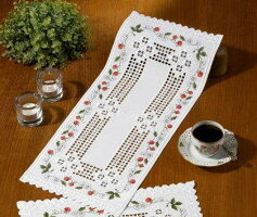 ハーダンガー刺繍キットペルミン(Permin)輸入Hardangerデンマーク北欧63-1684