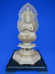 【送料無料】総老山白檀製の仏像です。緻密な彫刻が素晴らしい、なかなか手に入らない逸品です...