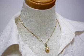 南洋白蝶真珠パールペンダントトップ10mmUPナチュラルゴールドカラーK18製/D0.11ct