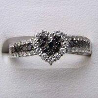 指輪ダイヤモンドリングブラックダイヤハートK18WG指輪