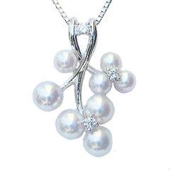 清楚なあこやベビーパールが優雅で上品な印象で胸元を彩る真珠:パール:ペンダント:ネックレス:...