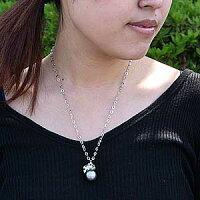 タヒチ黒蝶真:K18WG:ペンダントネックレス:シルバーグレー系:セミラウンド形:ダイヤモンド:グリーントルマリン:ペリドット