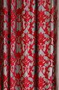インドの最高級輸入カーテン。グレーのベルベット生地にマルーン色の刺繍が特徴。極厚生地で遮...