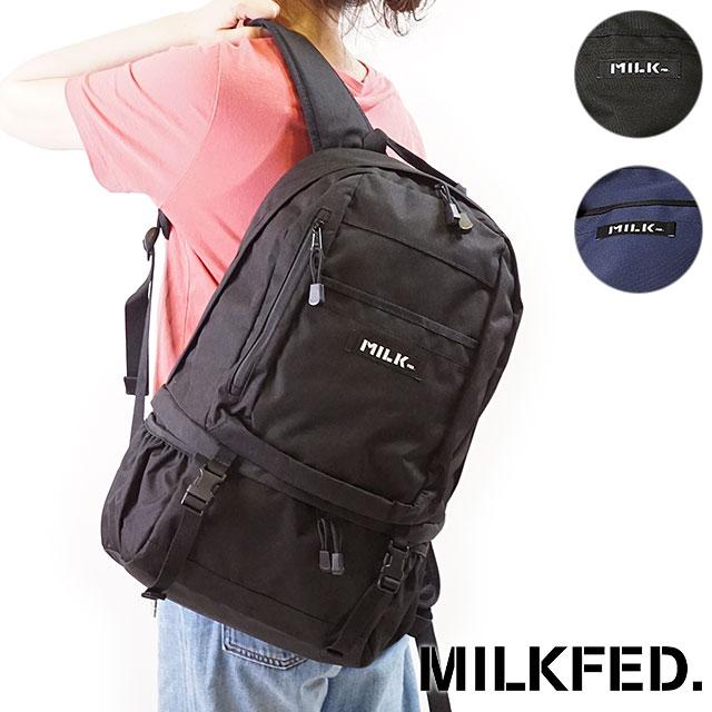 MILKFED.での定番人気リュックといえば、こちらの「BIG BACKPACK BAR(ビッグ バックパック バー)」。可愛いロゴで、中学校や高校など、部活をしている女子にも人気の大容量リュックです。  太めショルダーストラップ&背面パットなど、肩への負担を軽減する工夫が施されています。重たいものを入れても背負いやすいので、フェスや旅行でも大活躍してくれるはず。