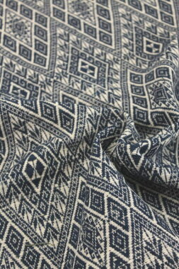 藍染め紋織り綿生地品番XAH-1/BLNW(509)幅70cm以上(草木染・手織りの布)ラオスの伝統柄コットン【ウドムサイの布】