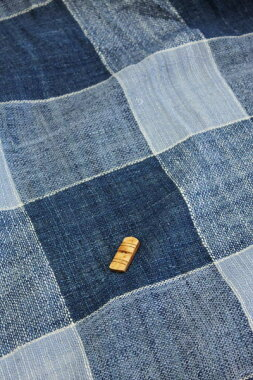 藍染綿生地品番、XAR-12/BL(1503)幅64cm(手紡ぎ、草木染の手織り布)格子チェックコットン【ウドムサイの布】