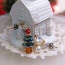 クリスマスツリー&雪ダルマスワロフスキーピアスチタンピアスイヤリングレディースプレゼントギフト