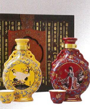 横浜中華街 越王台陳年 陳年30年・25年花彫酒(壷)、300ml、2本セット・送料無料・高級感にあふれ、特別な贈り物としてお勧めです♪