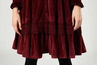 オリジナルデザイン秋新作冬新作大人可愛い中世ヨーロッパ風刺繍姫系エレガントレースフリルワインレッドVネック長袖パフスリーブAラインフレア前開きひざ上丈ベロアワンピース