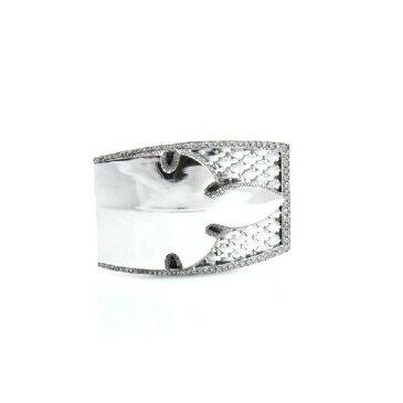 クロムハーツ フレアニーモチーフ ベルトバックル パヴェ ダイヤモンド