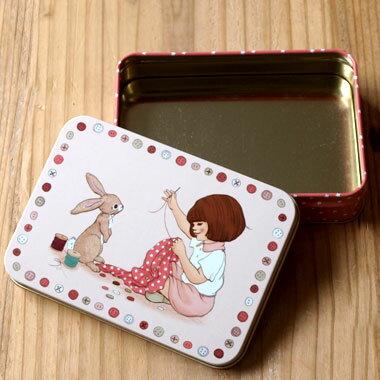 イギリス Belle&Boo スチール缶 スクエアM‐ソーイング