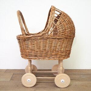 エグモントトイズ社の人形用おもちゃの乳母車