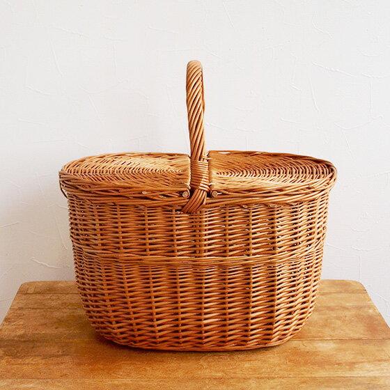 天然のヤナギを使って、ポーランドの職人の手によって作られたバスケットです。ずんぐりと深みのある形で安定感があります。