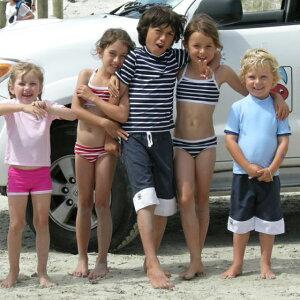 リトルレッドフィッシュの子供用水着サーフパンツ