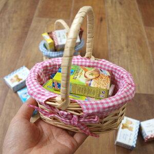 ドイツ製ままごとおもちゃミニチュアパッケージin布付きバスケットS【おままごとごっこ遊びおもちゃお店屋さんかわいいおしゃれ輸入雑貨】