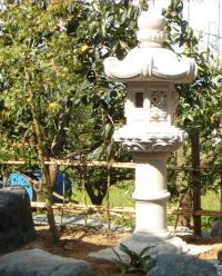 春日燈籠(5尺・岡崎型)【錆び石】日本庭園の定番商品!!和風を彩る必須アイテム!!:小さな石屋さん