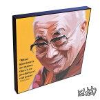 アートパネル Dalai Lama ダライ・ラマ インテリア チベット仏教高僧・偉大なる指導者 ウォールアート 偉人 レジェンド アートグッズ おしゃれ イラスト 絵 絵画 ポップアート アートフレーム 雑貨