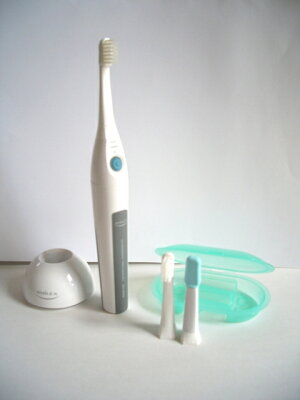 東レウルティマ製造元の新商品(セット価格17320円) 歯周が気になる方に大好評。替歯ブラシ2パ...