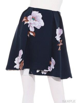 足立梨花ちゃん衣装 スナイデル ホワイトフラワーフレアスカート