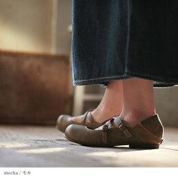 シューズM/L/LLサイズ女性らしい丸みのあるフォルムで、ほんのり甘く。クロスストラップシューズレディース/靴/パンプス/フェイクレザー/ローヒール/ぺたんこ/2WAYsoulberryオリジナル