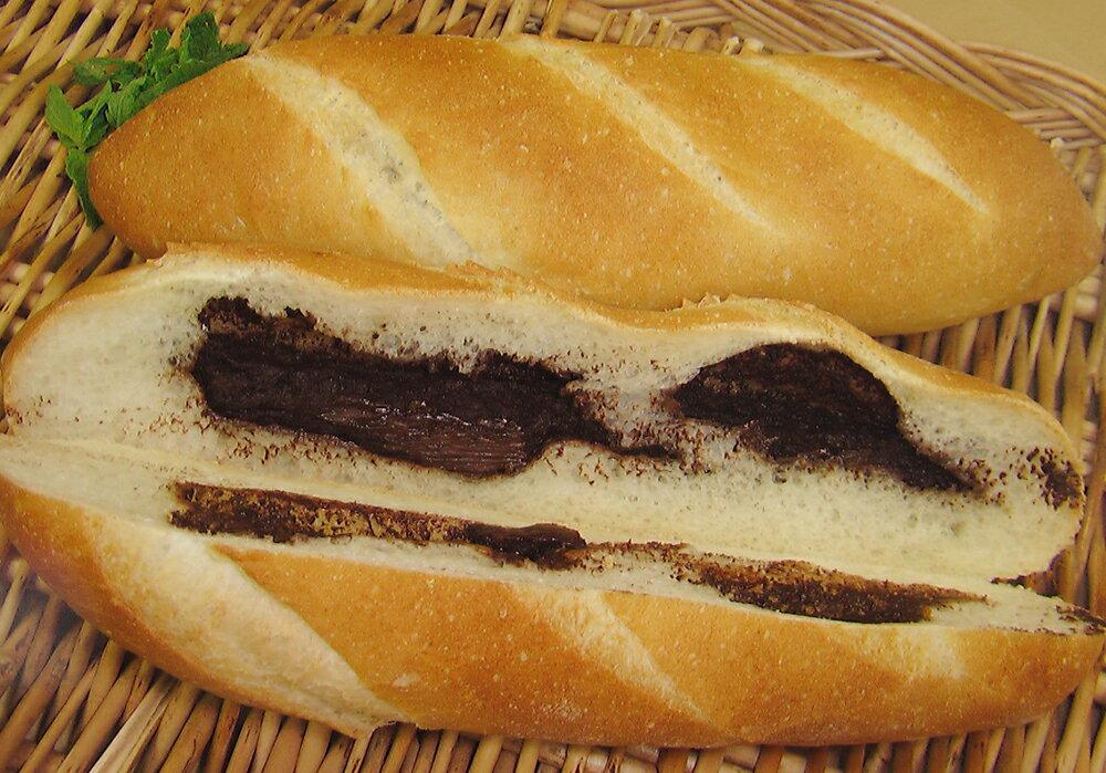 【チョコフランス】クーベルチュールスイートチョコを贅沢に使用。程よくとろけるチョコに幸せを感じます(1本96g)