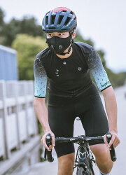 <取り寄せ品>スポーツマスクKN95防塵マスク(自転車ロードバイクやジョギングなどのスポーツに)クリックポストOK【店頭受取対応商品】