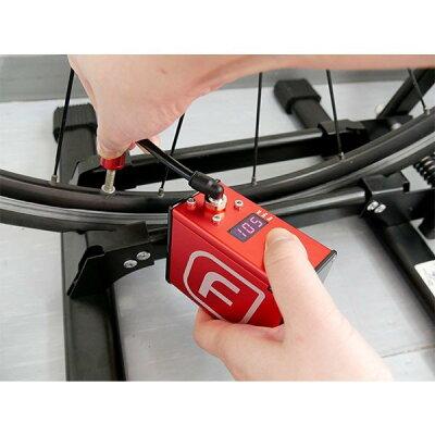 自転車電動空気入れUSB充電フンパFumpa車いすタイヤ軽い仏式米式バルブ飛行機持ち込み可能車イスロードバイク赤オシャレおしゃれ電動コンプレッサーリチウムポリマー電池式正規品
