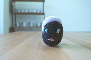 WOOLから生れた卵形のおもちゃketama/けたま(クロ)【いぬ・ねこのおもちゃ】