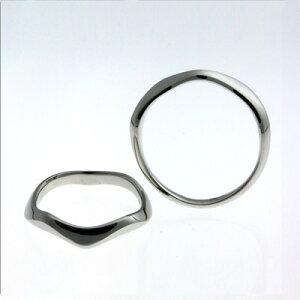 結婚指輪マリッジリング鮮やかでシャープなデザインは幸せの予感さえ感じさせます。