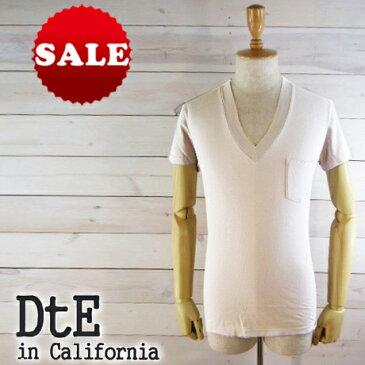 """【雑誌「safari」掲載ブランド】DtE in California ディーティーイー・イン・カリフォルニア """"深めのVネックで男らしさをアピール""""胸ポケット付き 深Vネック Tシャツ カットソー ホワイト 10031   国内正規品"""