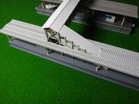 【Nゲージ】地方によくある跨線橋KATOホーム対応タイプA(廃レールタイプ)階段部分斜め窓、踊場無しタイプAK−S1B