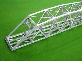 16番サイズの単線曲弦トラス橋