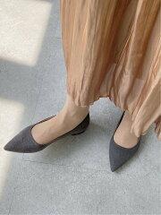 ポインテッドトゥパンプス 直線タイプが似合う靴