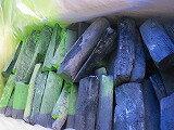 宮崎日向備長炭、短割れ12kgx2--24kg1送料、樫備長炭、国産希少品に、Mサイズ、割カット物 。跳ねが少ないので、燃料として非常に人気があります。備長炭は、たんぱく質をとても美味しく焼き上げるので、魚や肉を最高の味に仕上げます