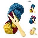 針を使わないY字のリリアン。きれいな配色の毛糸も魅力。ウール マニュファクチャー、フィルゲ...