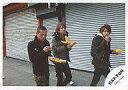 【中古】生写真(ジャニーズ)/アイドル/KAT-TUN KAT-TUN/田中聖・中丸雄一・亀梨和也/横型/ホットドッグ/背景シャッター