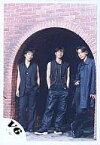 【中古】生写真(ジャニーズ)/アイドル/V6 V6/坂本・井ノ原・長野/レンガのトンネル/全身/寄り/衣装黒/公式生写真