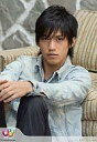 【中古】生写真(ジャニーズ)/アイドル/NEWS NEWS/錦戸亮/ジーンズジャケット・両腕膝/Johnny's web