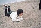 【中古】生写真(女性)/女優 No.033 : 広末涼子/横型・砂浜に寝る/公式ブロマイド