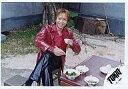 【中古】生写真(ジャニーズ)/アイドル/TOKIO TOKIO/城島茂/横型・衣装赤・右手箸・座り・足組み/公式生写真