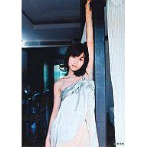 【エントリーでポイント10倍!(4月28日01:59まで!)】【中古】生写真(AKB48・SKE48)/アイドル/AKB48 前田敦子/グレー肩だし衣装・壁によりそい・上半身/写真集「はいっ。」特典