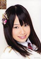 【エントリーでポイント最大19倍!(5月16日01:59まで!)】【中古】生写真(AKB48・SKE48)/アイドル/NMB48 小笠原茉由/バストアップ・衣装白・ネクタイピンク/NMB48 ランダム生写真 第1弾