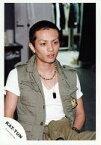 【中古】生写真(ジャニーズ)/アイドル/KAT-TUN KAT-TUN/田中聖/上半身・ベストカーキ・インナー白・目線右・室内/公式生写真