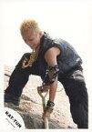 【中古】生写真(ジャニーズ)/アイドル/KAT-TUN KAT-TUN/田中聖/全身・袖無し衣装グレー黒・シャベルで穴を掘る・野外/公式生写真