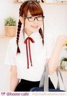【中古】生写真(女性)/アイドル @home cafe/かずは/上半身・衣装白・黒・制服・眼鏡・左手曲げ・スクールバッグ・背景白/公式生写真